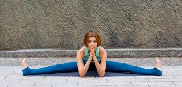 yoga-julia-brakensiek-yogalehrerin-beyond-yoga-berlin-image-sieben