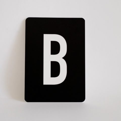 postkarte-buchstabe-b-papier-herr-und-frau-krauss