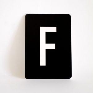 postkarte-buchstabe-f-papier-herr-und-frau-krauss