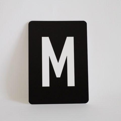 postkarte-buchstabe-m-papier-herr-und-frau-krauss