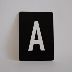 postkarte-buchstabe-a-papier-herr-und-frau-krauss