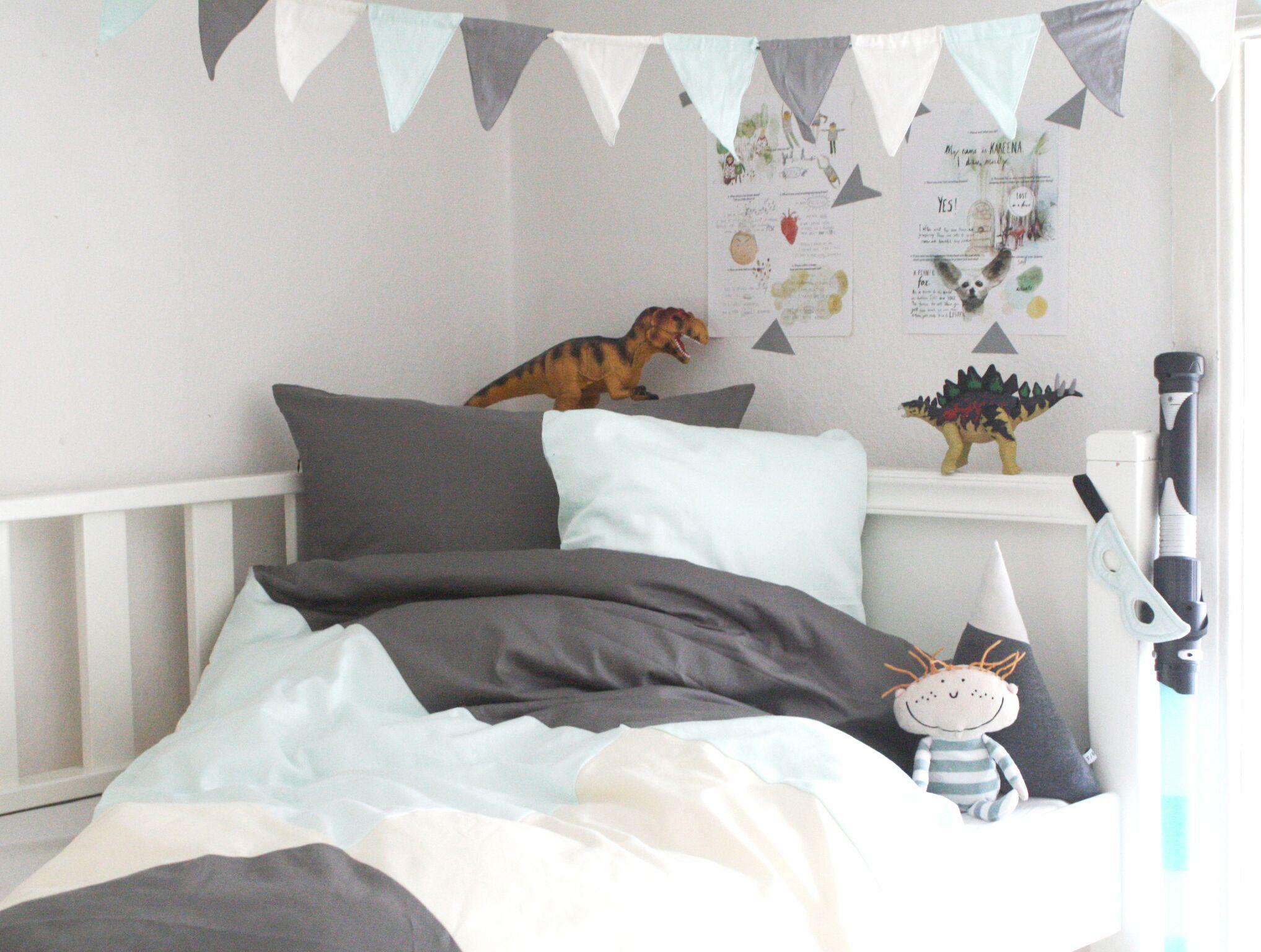 Wimpelkette Girlande Fabelab Kinderzimmer Bett Pastell Jade