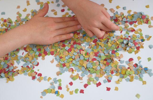 kinder-konfetti-kunstwerk
