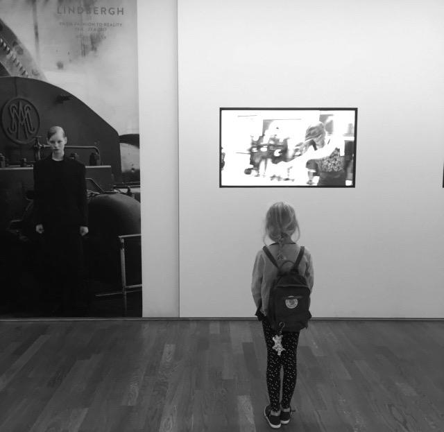 mit-kindern-in-die-kunsthalle-muenchen-herrundfraukrauss