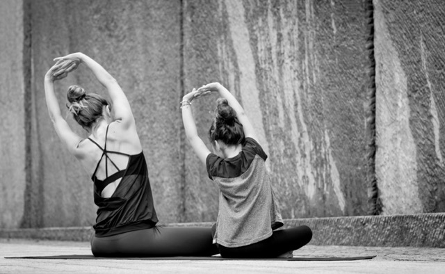beyong-yoga-berlin-eltern-kind-yoga