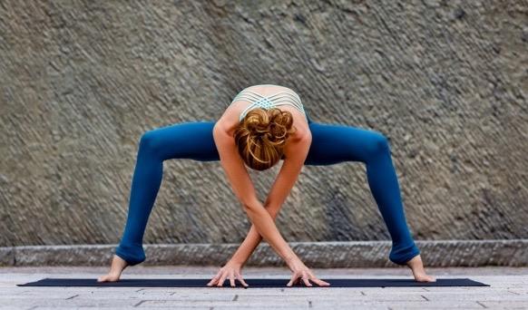 yoga-julia-brakensiek-yogalehrerin-beyond-yoga-berlin-image-acht