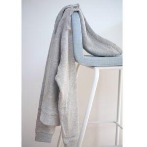 sweatshirt-hoodie-kapuzenpulli-re.draft-hellgrau-zwei