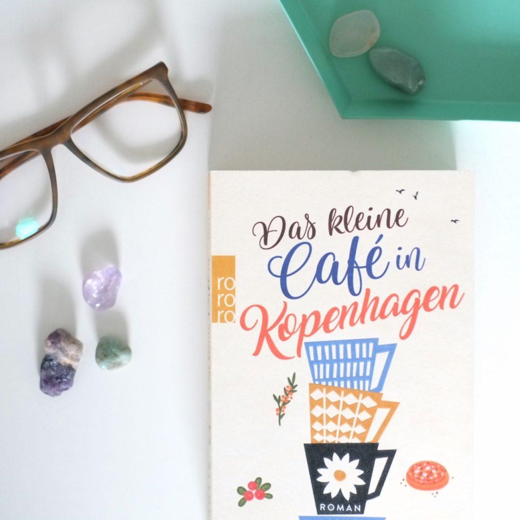 das-kleine-cafe-in-kopenhagen-buch-blog-herrundfraukrauss