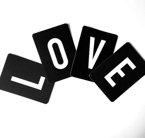 love-liebe-buchstaben-karten-schwarz-weiss-herrundfraukrauss