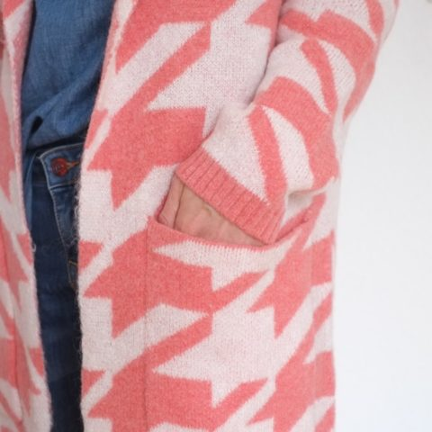 strickmantel-redraft-rosa-weiss-winter