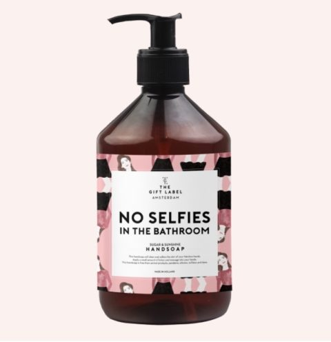 handseife-no-selfies-in-the-bathroom-geschenk-thegiftlabel-herrundfraukrauss-onlineshop