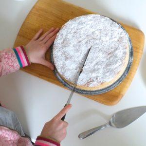 startbild-kinder-backen-selber-kuchen-herrundfraukrauss-blog