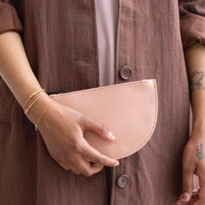Geldbörse-vegan-rosa-monk-and-anna-herrundfraukrauss-onlineshop