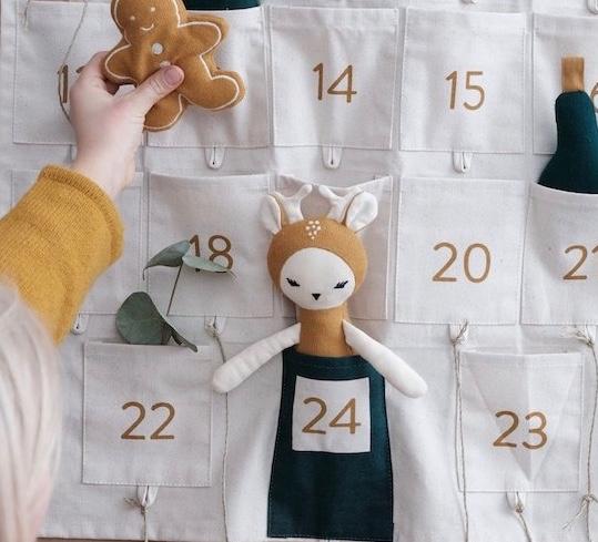 fabelab-adventskalender-wandkalender-kinder-kindheit-herrundfraukrauss-shop