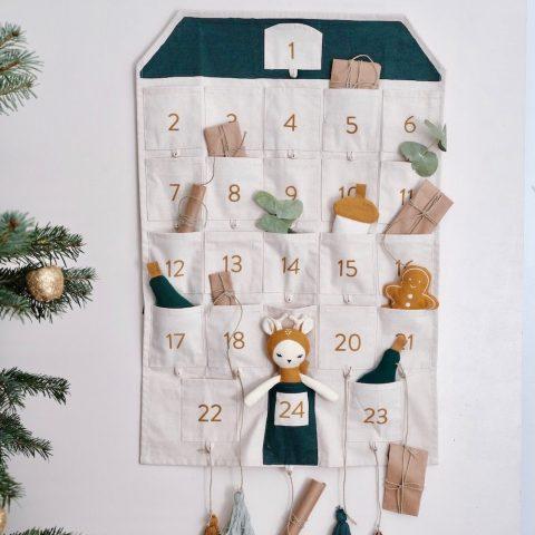 adventskalender-haus-fabelab-wandkalender-herrundfraukrauss-onlineshop