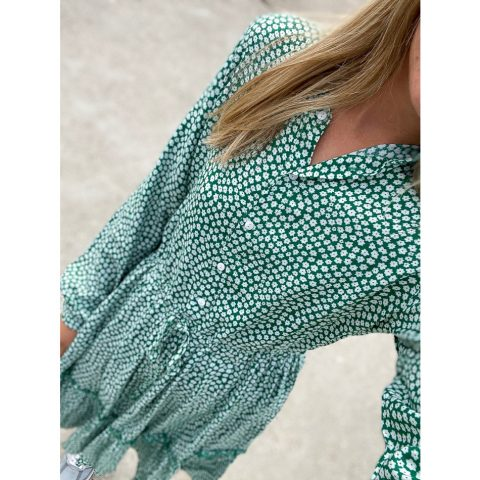 noella-dress-nanna-green-white-sommerkleid-gruen-weiss-herrundfraukrauss-onlineshop-zwei