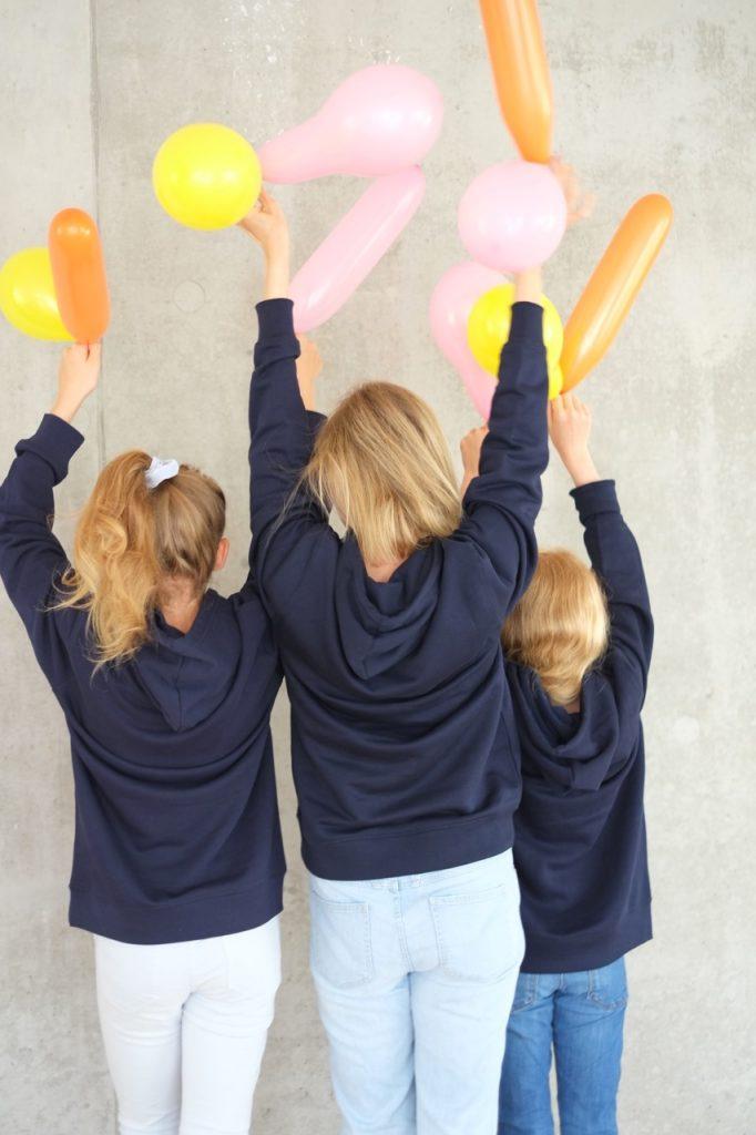 hoodie-dunkelblau-bio-nachhaltig-fairwear-herz-herrundfraukrauss-onlineshop