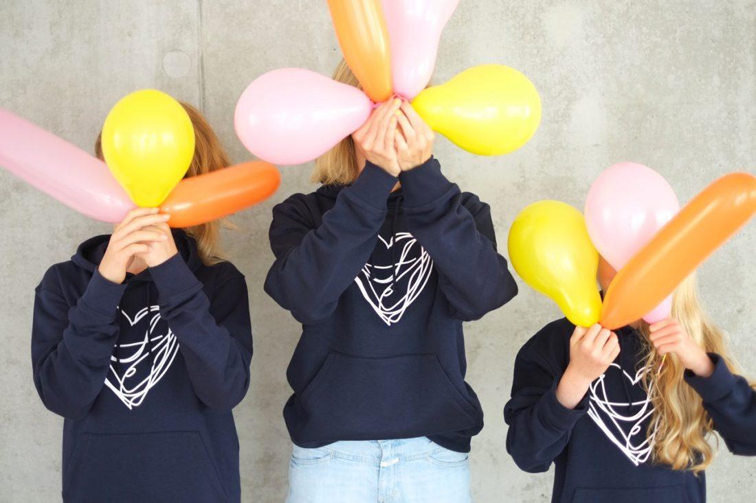 hoodie-nachhaltig-bio-fairwear-dunkelblau-herr-herrundfraukrauss-onlineshop