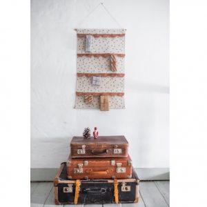 adventskalender-wandbehang-befuellen-weihnachten-2020-avaundyves-herrundfraukrauss-onlineshop-drei