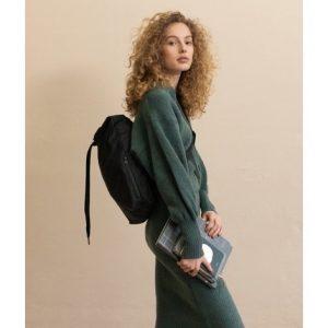 cill-laptop-tasche-rucksack-schwarz-tinne-mia-herrundfraukrauss-onlineshop-zwei