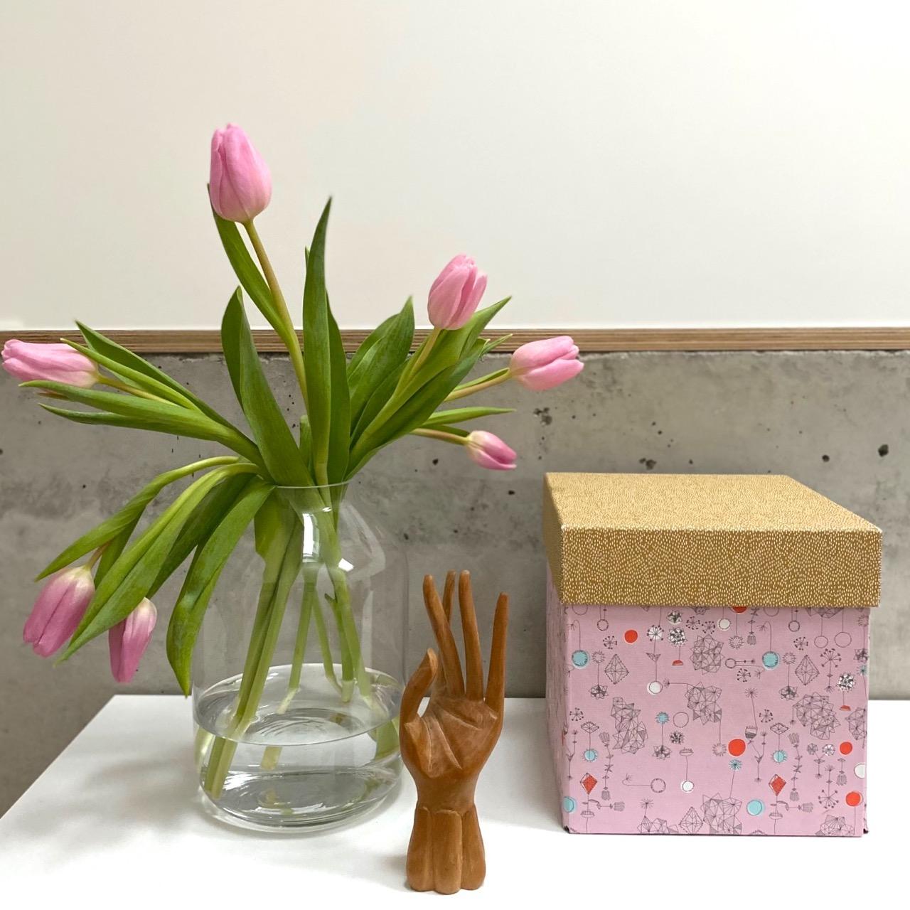 deko-interior-fruehling-tulpen-januar-herrundfraukrauss-blog-eins