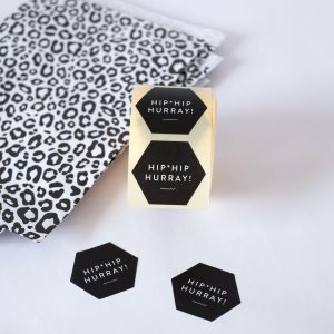 sticker-hip-hip-hurray-verpacken-verpackungsmaterial-herrundfraukrauss-onlineshop
