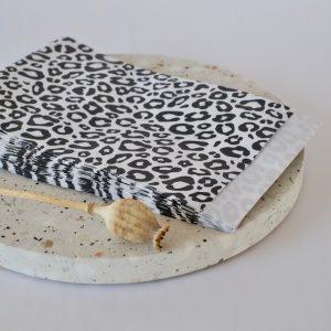 papiertuete-leo-schwarz-weiss-verpacken-herrundfraukrauss-onlineshop