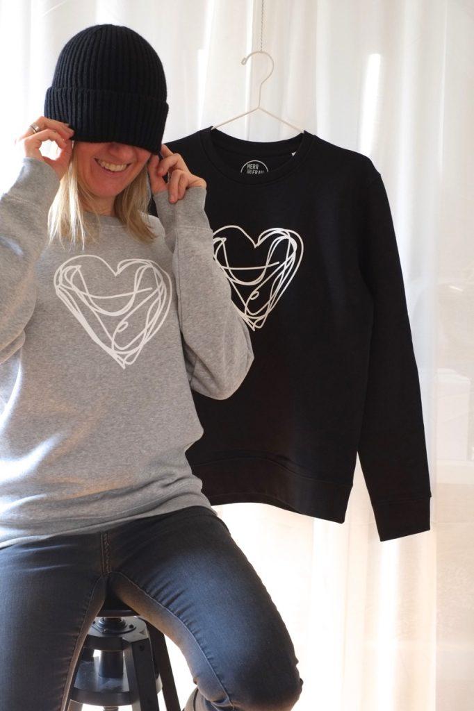sweatshirt-hellgrau-melange-biobaumwolle-fairwear-nachhaltig-herrundfraukrauss-onlinshop