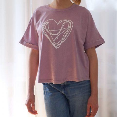t-shirt-herz-weiss-lila-flieder-vintage-herrundfraukrauss-onlineshop-sechs