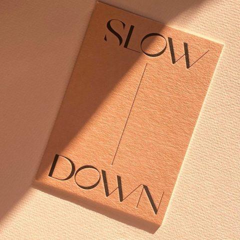 postkarte-navucko-slow-down-achtsamkeit-herrundfraukrauss-onlineshop
