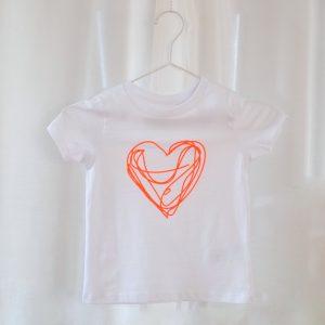 kinder-t-shirt-herz-neon-biobaumwolle-fairwear-mini-and-me-style-herrundfraukrauss-onlineshop