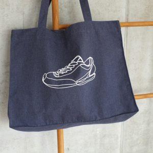 tasche-denim-canvas-biobaumwolle-nachhaltig-sneaker-oneliner-herrundfraukrauss-onlineshop